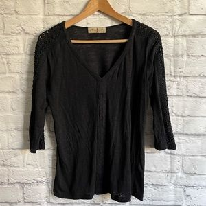 TWIG & PERCH Black Linen Top Tee T-Shirt with adjustable sleeves